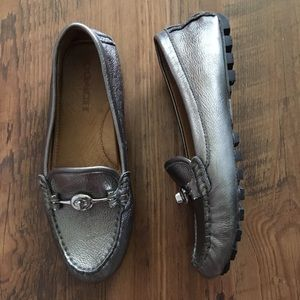 Coach Arlene loafer 6.5B metallic silver